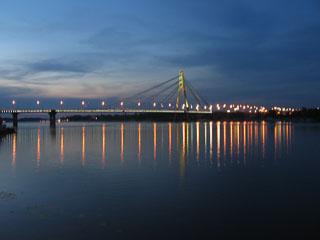 Москальський міст вночі