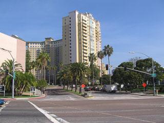 Costa Verde Blvd
