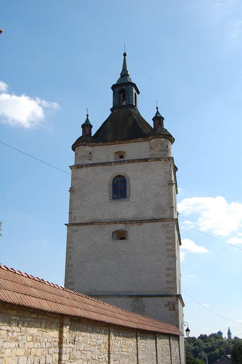Дзвіниця колишньої вірменської церкви