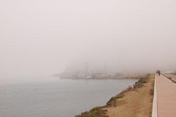 Morro Rock в тумані