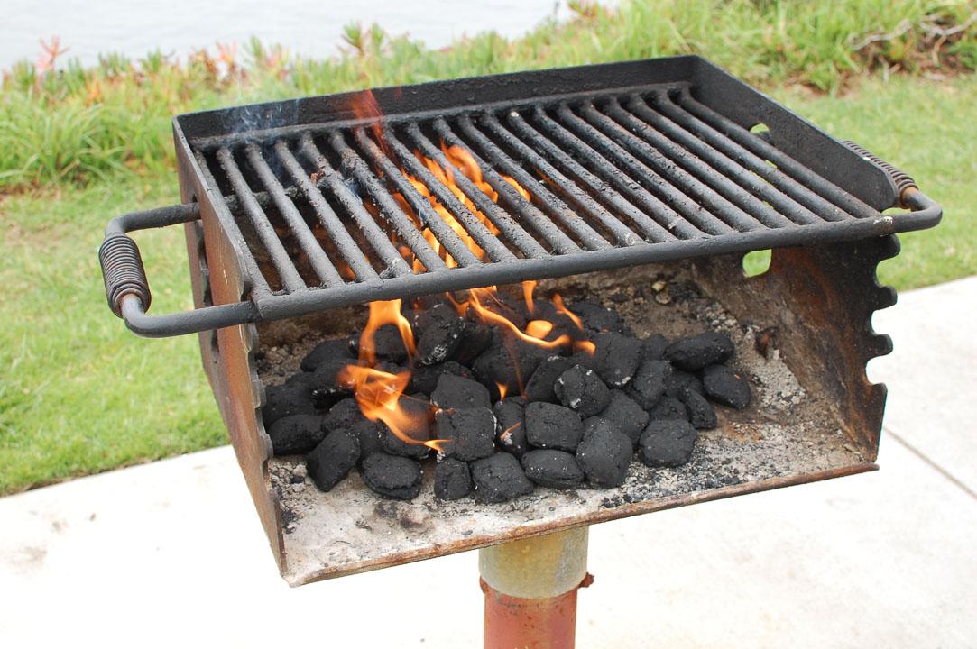Розпалюємо мангал