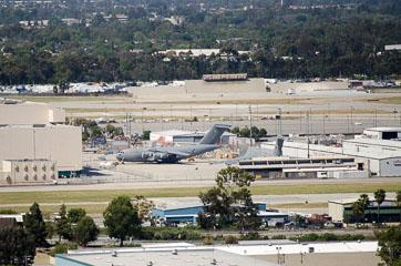 Військово-транспортний літак