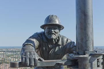Пам'ятник нафтовикам