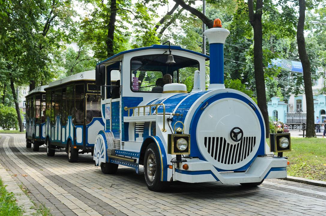 Екскурсійний потяг