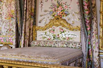 Ліжко королеви