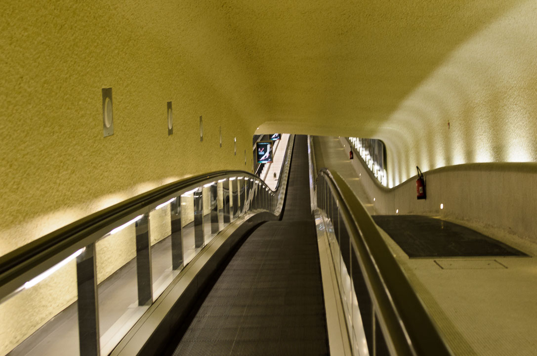 Ескалатор в аеропорту