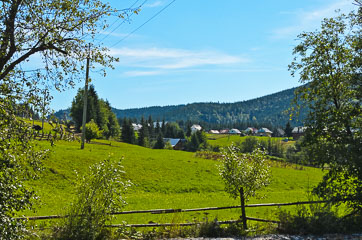 Село Поляниця