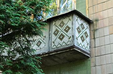 Орнамент на балконі