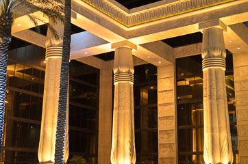 Колони готелю «Луксор»