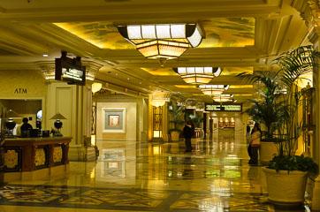 Всередині готелю