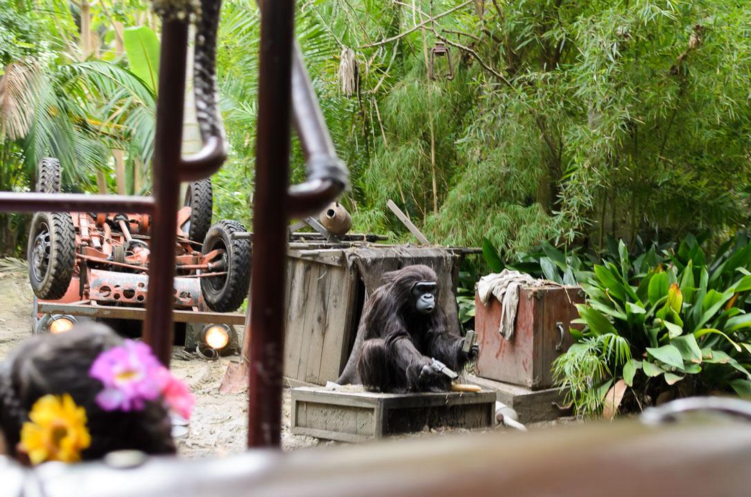 Мавпа з револьвером