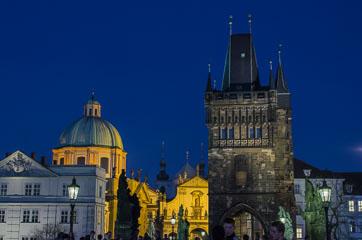 Костел ордену Хрестоносців та вежа на мосту