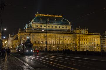 Палац Лажанських