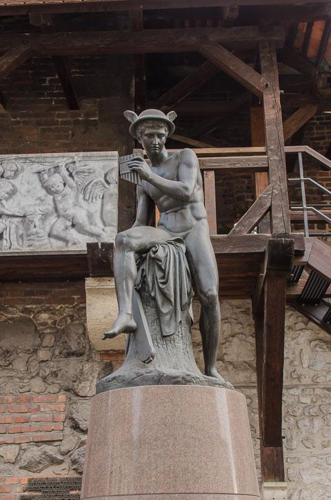 Статуя Меркурія