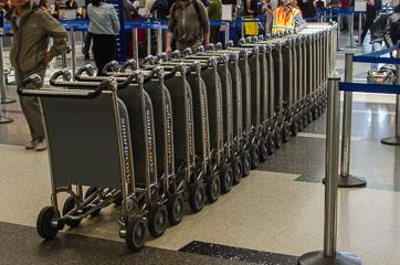 Візки для багажу