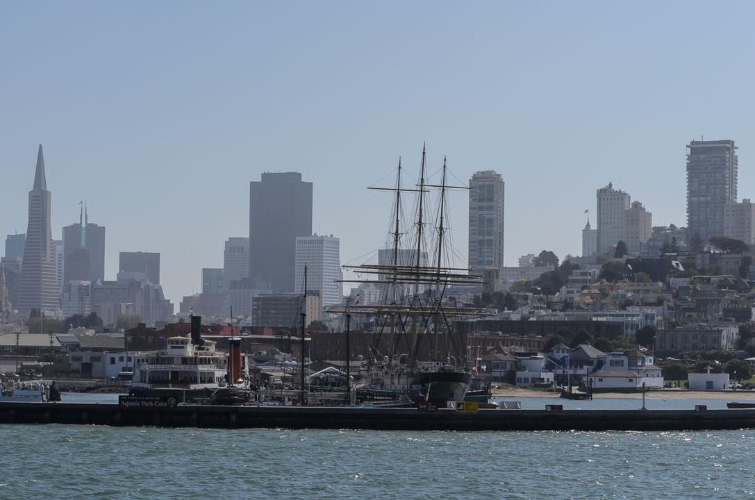 Кораблі та місто