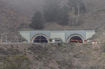 Тунель зблизька