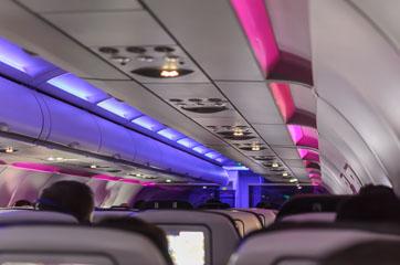 В літаку
