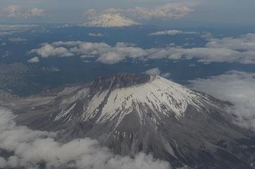 Mt. Adams та Mt. St. Helens