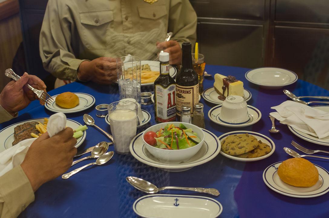 Обід офіцерів