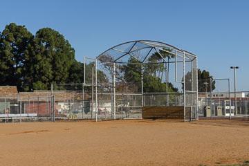 Бейсбольне поле