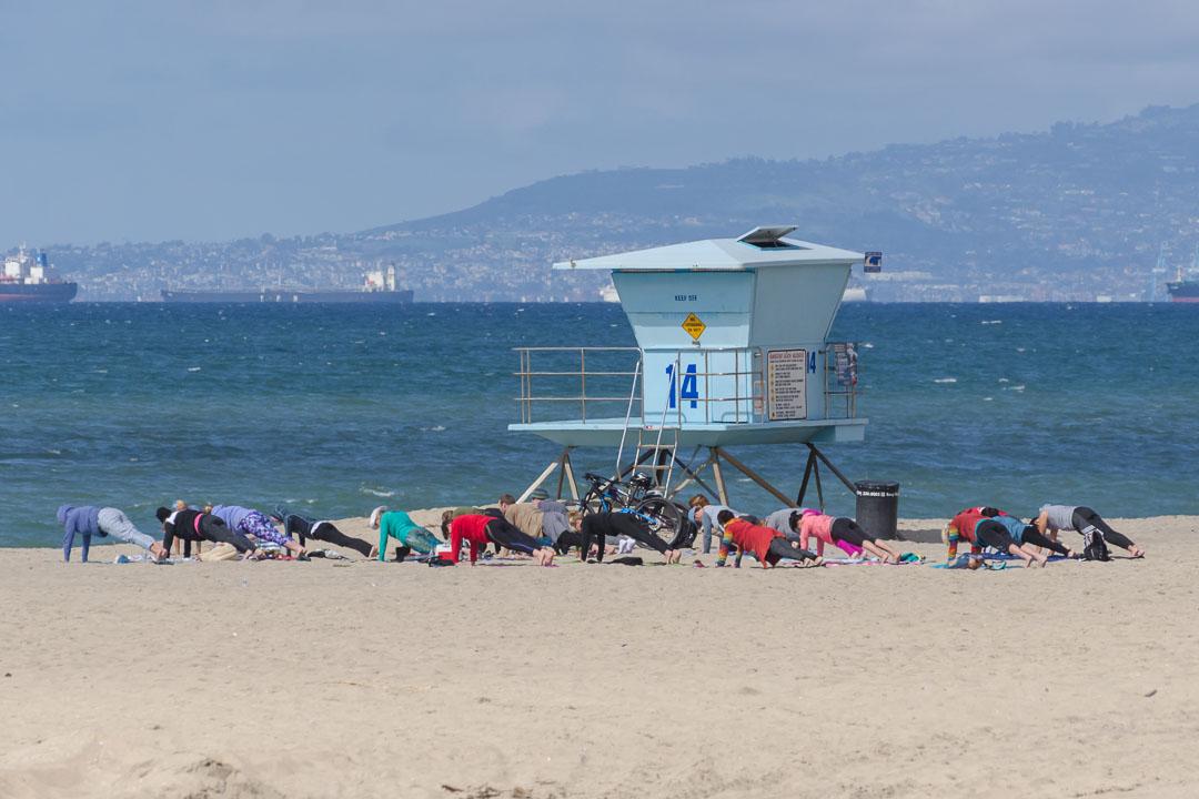 Йога на пляжі